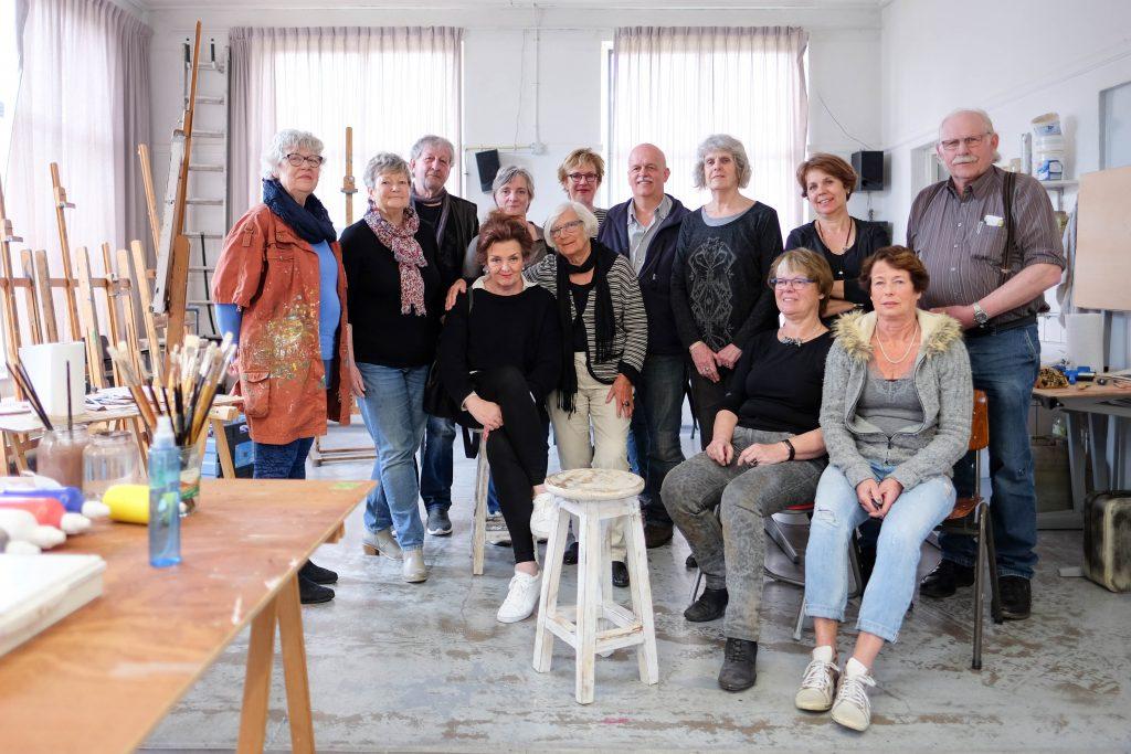 De mensen van het kunstenaarscollectief Souza
